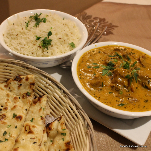 Indian Hut_Curries and Naan